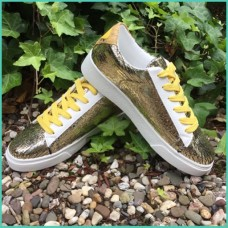 Sneakers goud